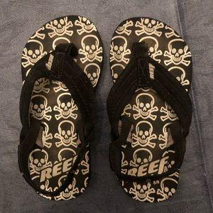 Reef Boys sz 5/6 flip flops